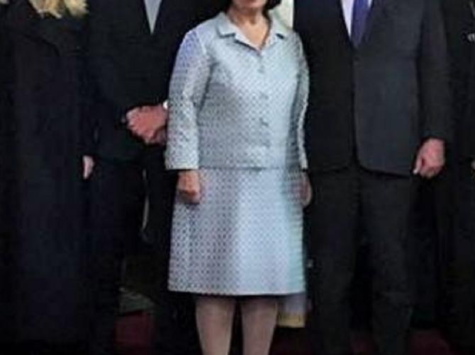 PRVA SLIKA naše trudne princeze: Danica se u Londonu pojavila u ovom kaputu i ZABLISTALA!