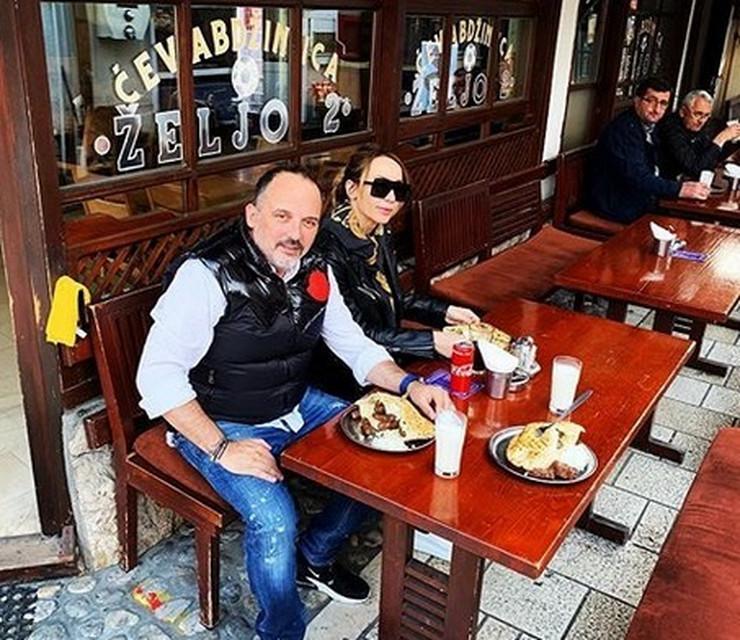 Toni Cetisnki sa ženom