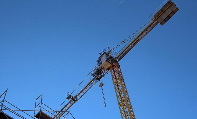 35-metrowy dźwig runął na ziemię w Szklarskiej Porębie. Nie żyje 51-letni operator maszyny.