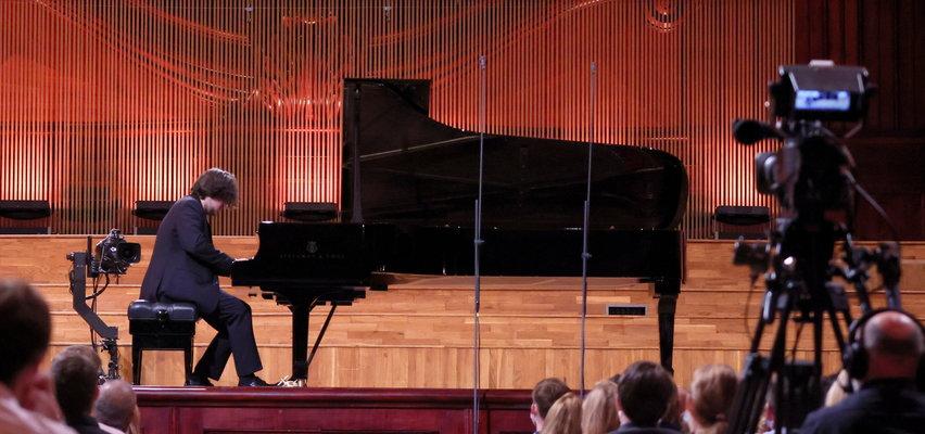 Dwóch polskich pianistów znalazło się w finale Konkursu Chopinowskiego. Kto z nich powtórzy sukces Rafała Blechacza?