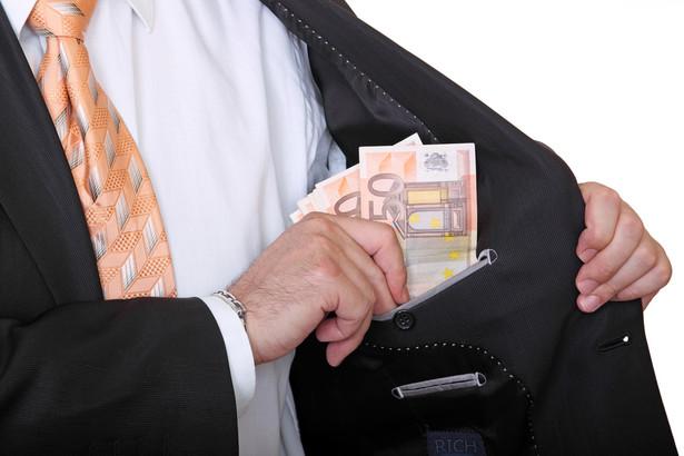 W porównaniu z poprzednim rokiem, wskaźnik satysfakcji klientów z usług bankowych wzrósł do 77% wobec 72% rok wcześniej.