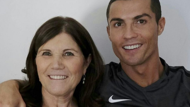Mutter Von Cristiano Ronaldo Startet Superhelden Social Media Aktion