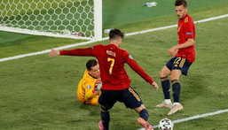 Morata (C) has missed a host of chances in Spain's first two games Creator: Jose Manuel Vidal