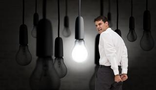 Konsument na rynku energii i gazu: Oszustwa i niski standard jakości. Odbiorcy skarżą się do URE