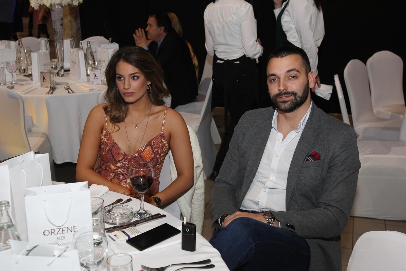 Marina Ćosić  sa dečkom