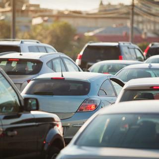 Zmiany na drogach: Jazda na suwak będzie obowiązkowa