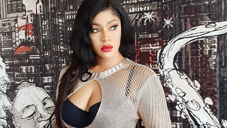 Nollywood actress, Angela Okorie says ten bullets were removed from her head while two bullets were also removed somewhere close to eyes during her alleged attack by assassins. [Instagram/RealAngelaOkorie]