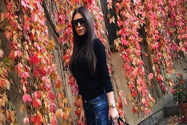 Posle svih skandala izgleda NIKAD IZAZOVNIJE: Ana Sević slavi rođendan, a modna kombinacija UBIJA! FOTO