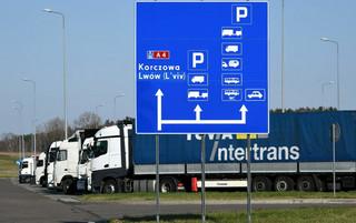 Luka w przepisach o ruchu granicznym. Można być zwolnionym z kwarantanny, a mimo to utknąć na przejściu