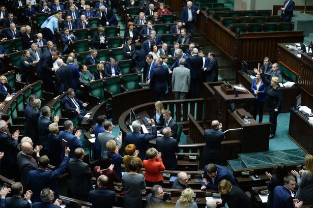 Henryka Krzywonos przyznała, że wstydzi się za taki Sejm.
