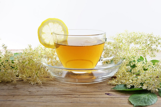 Čaj od zove bolji izbor od soka!