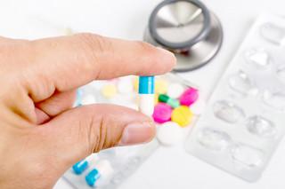Nie ma leku na braki w aptekach. Problemy mają chorzy na tarczycę, parkinsona czy wymagający hormonalnej terapii