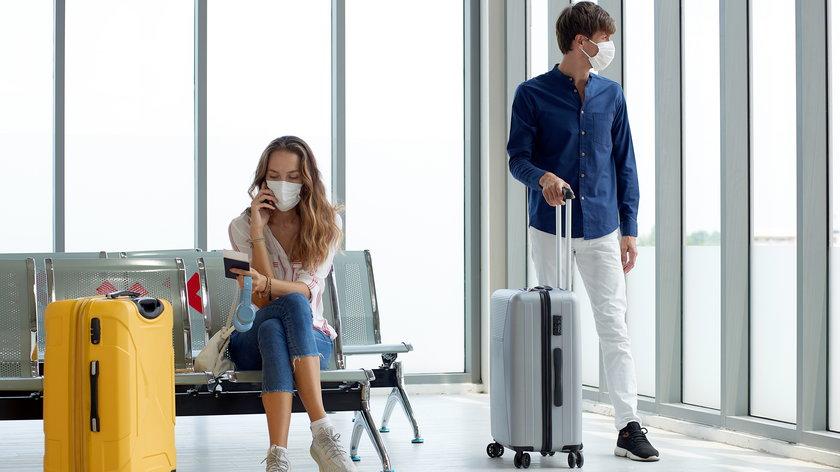 Wakacje 2021 a koronawirus. Gdzie można polecieć na urlop?