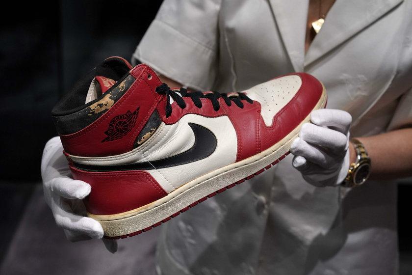 Buty Jordana sprzedane za 2,5 miliona złotych