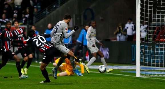 Marko Grujić postiže drugi gol Herte