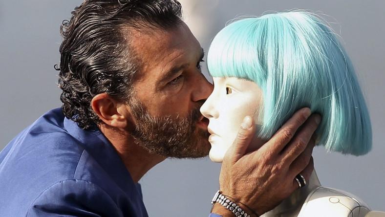 """Nowy film z boskim Antonio zapowiadany jest jako połączenie """"Mad Maxa"""" z """"Dystryktem 9"""". W San Sebastian miał swoją światową premierę"""