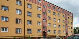 Dramat w Częstochowie. 2-latek wypadł z okna, jego opiekun był pijany