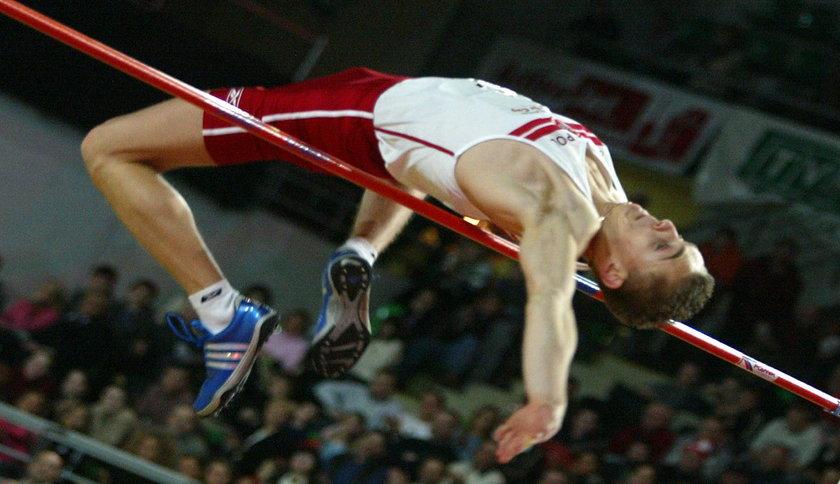 Kilkanaście lat temu Robert Wolski regularnie skakał na poziomie 230 cm