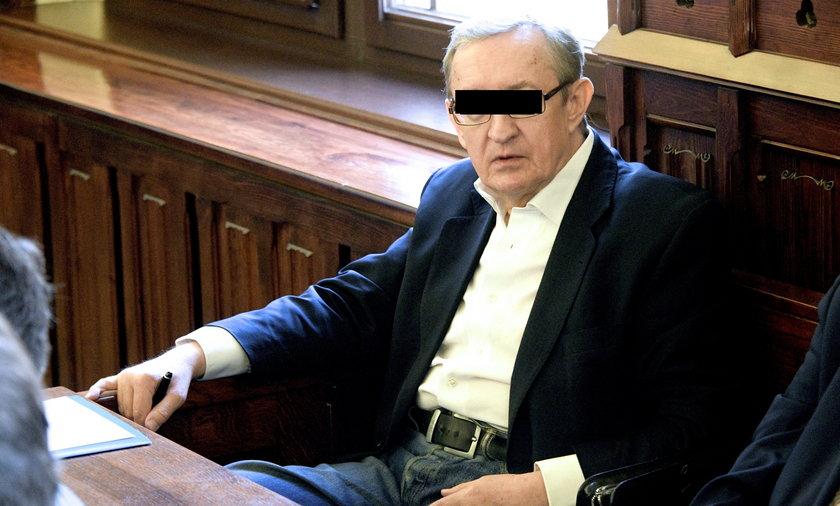 Józef Pinior w czasie odbywania kary będzie mógł wychodzić z domu i spotykać się ze znajomymi.