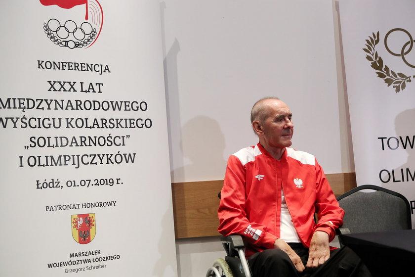 Ryszard Szurkowski (74 l.), który 10 czerwca 2018 roku uległ wypadkowi podczas wyścigu w Kolonii, nadal walczy o powrót do zdrowia.