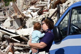 Włochy: Premier podziękował ekipom ratunkowym za pomoc po trzęsieniu ziemi