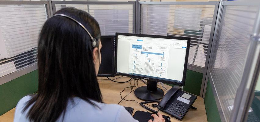 Robot pomaga w call center