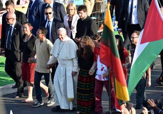 ŚDM: Papież przeszedł przez Bramę Miłosierdzia (WIDEO)