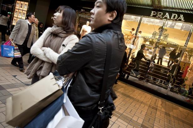 Prada będzie pierwszą włoską firmą, notowaną na giełdzie w Hongkongu. Fot. Bloomberg