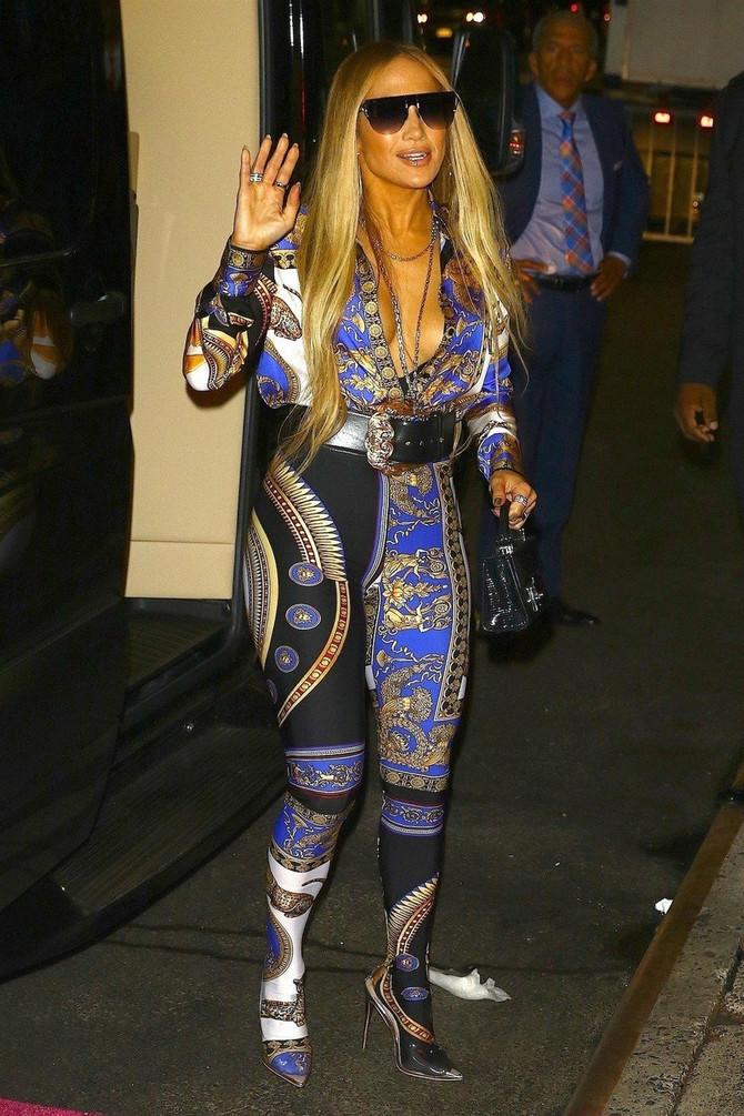 Džej Lo u jednoj od lošijih modnih izdanja