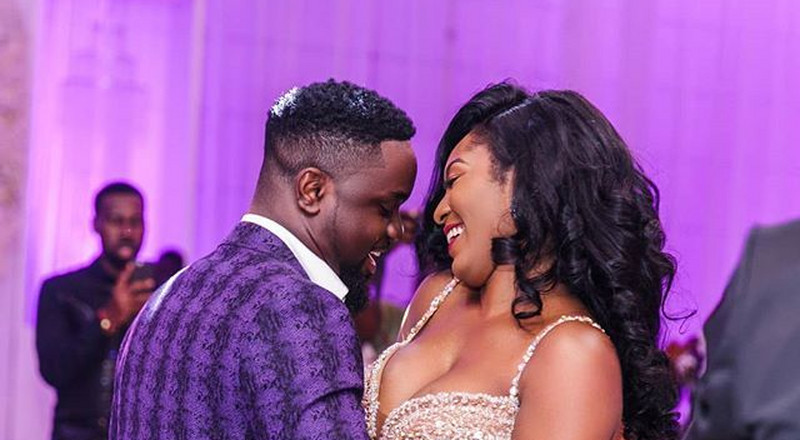 Sarkodie worried about his wife's unverified Twitter account