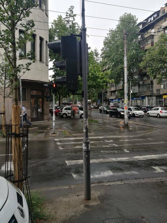 Beograđani pobegli kad je počela kiša