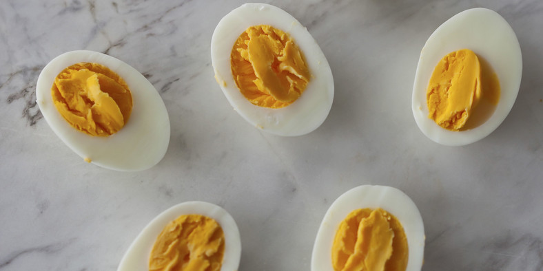 The vitamins and nutrients present in egg protect the eyes against night blindness [The Picture Pantry]