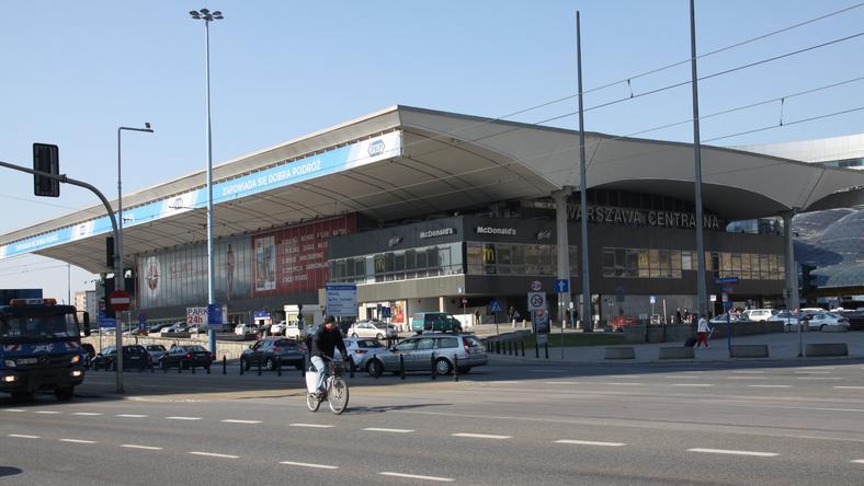 Z powodu podejrzanego pakunku ewakuowano Dworzec Centralny w Warszawie