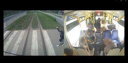 Nagłe hamowanie tramwaju we Wrocławiu. Pasażerowie latali jak worki ziemniaków WIDEO