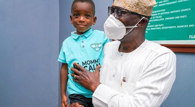 Sanwo-Olu meets with boy in 'Mommy calm down' viral video