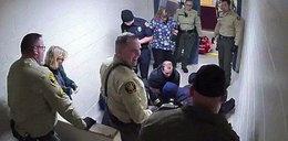 Więzień konał w męczarniach. Strażnicy mieli ubaw. Przerażający film