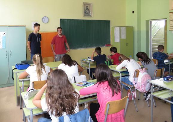 Kamp pohađa 200 učenika