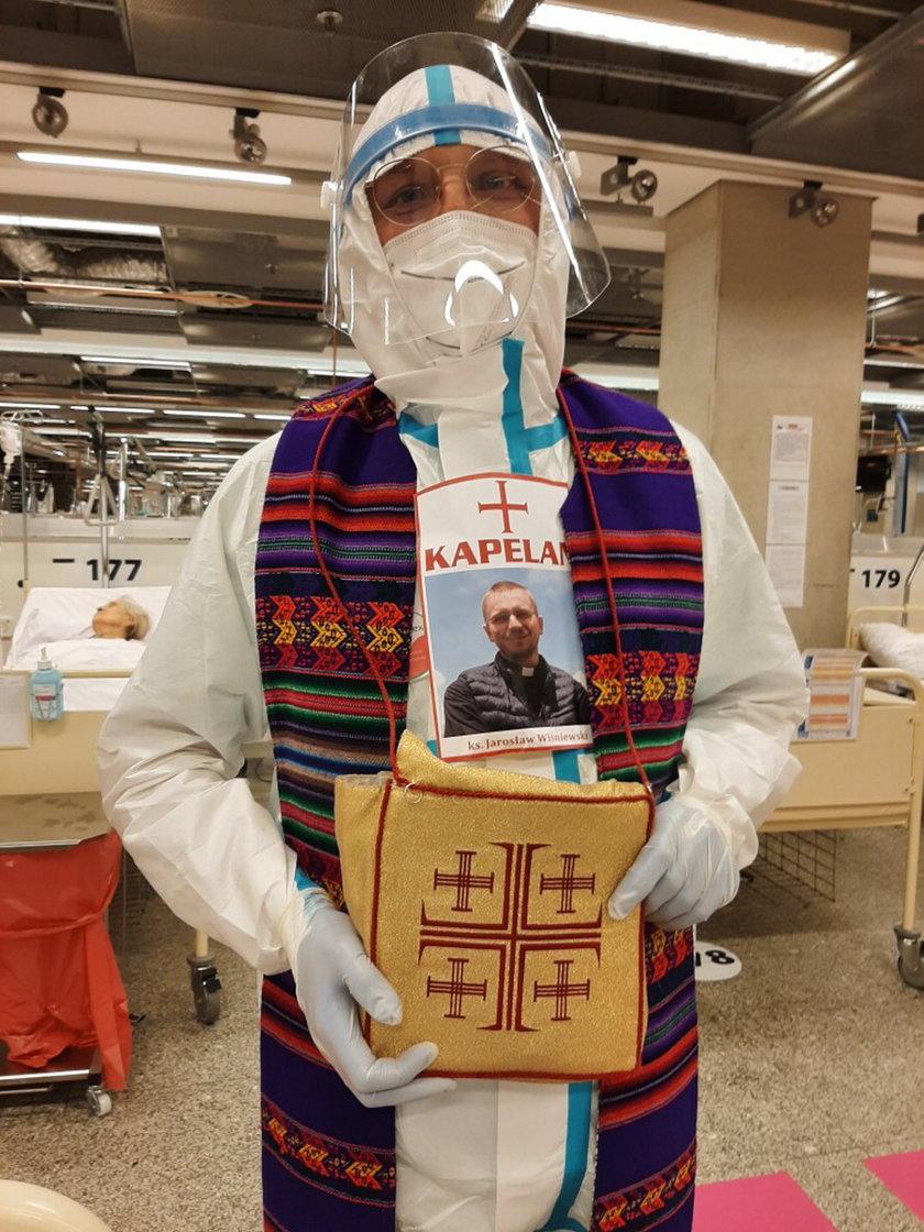 Ksiądz Jarosław Wiśniewski od marca służy chorym i umierającym w Szpitalu Narodowym