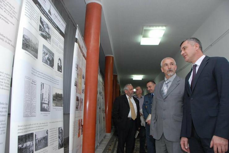 600270_holokaust-fotku-poslala-tatjana-podrug