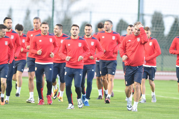 KAKO VAM SE SVIĐA? Ovo je novi dres fudbalske reprezentacije Srbije /FOTO/
