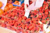 Novi Sad 139 pijaca cene voce povrce jagode foto Nenad Mihajlovic