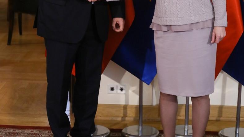 Na spotkanie z wiceprzewodniczącym Komisji Europejskiej ds. Unii Energetycznej pani premier postanowiła ubrać się w zupełnie innym stylu, niż zwykle...