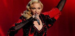 Haker okradł Madonnę i miał areszt domowy. W domu hakował dalej