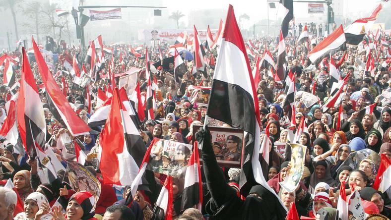 Tymczasowy rząd Egiptu podał się dzisiaj do dymisji