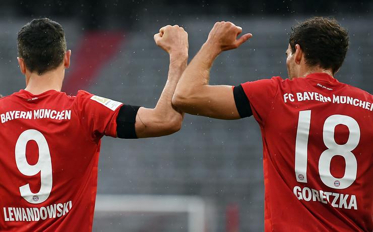 FK Bajern Minhen, FK Ajntraht