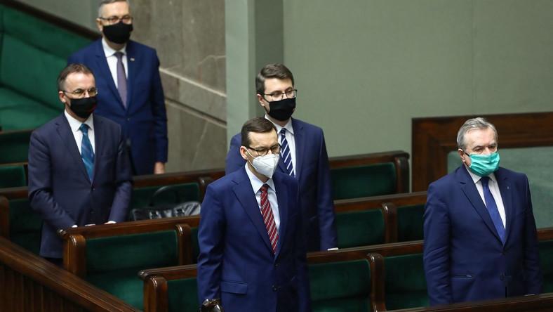 Premier Morawiecki i ministrowie