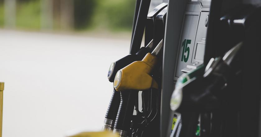 Niewielkie ruchy cenowe w hurcie przyczyniły się do stabilizacji cen paliw w ostatnich dniach