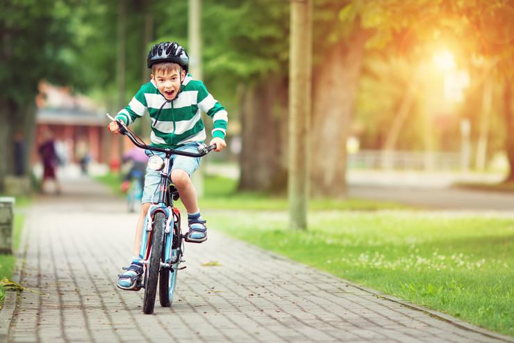 decak bicikl shutterstock 609637625