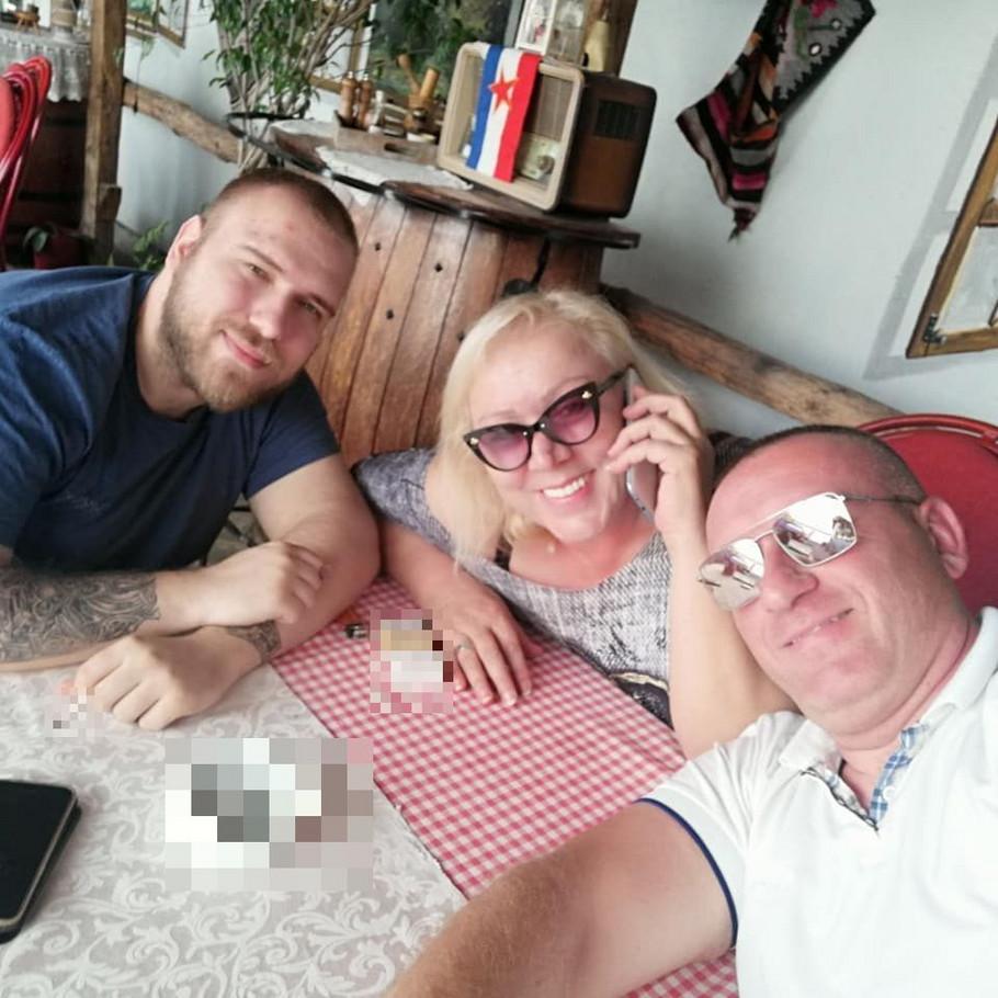 Zorica Marković sa sinovima