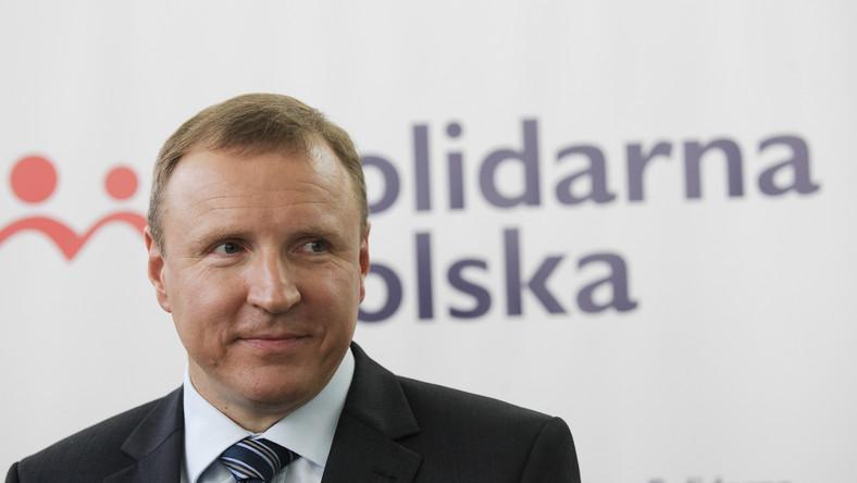 Jacek Kurski bije w